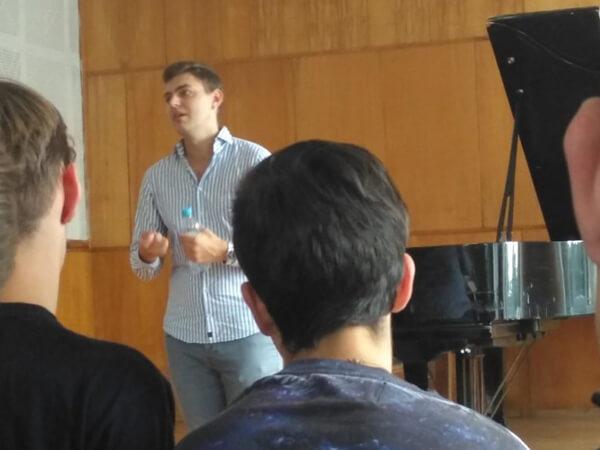 Зустріч із випускником – тромбоністом Іллею Кравченком