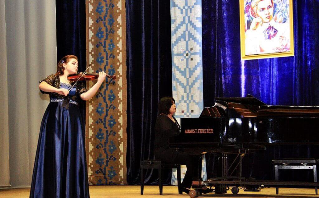 Музично-поетична імпреза до 150-річчя Лесі Українки 12