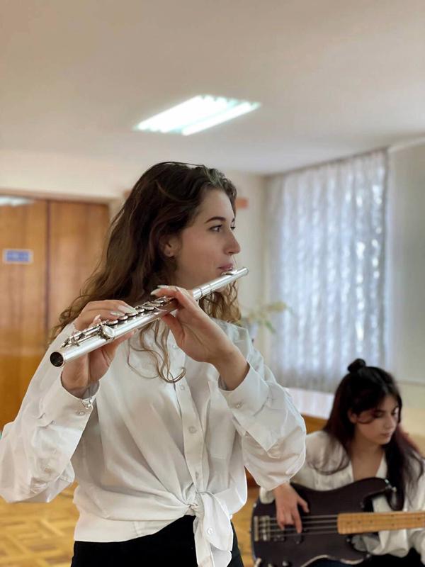 Музичний подарунок до Всеукраїнського дня бібліотек 7