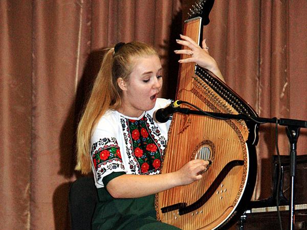 Концерт із нагоди Міжнародного дня музики та Дня працівників освіти 13